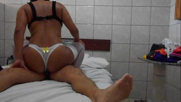 Videos de Sexo Roberto e babi fodendo depois da academia