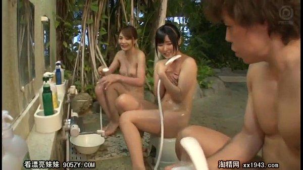 10代小娘のサンピームービー。リゾートの混浴混浴に来ていたセックスな10代小娘二人と逆サンピー(サンピー・大乱交)