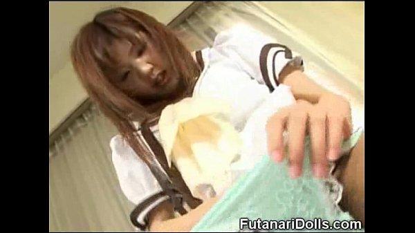 鬼高速手ヌキと亀頭責めフェラチオを頑張るセーラー服娘w射精後の丁寧なお掃除フェラチオはナイスですw  の画像