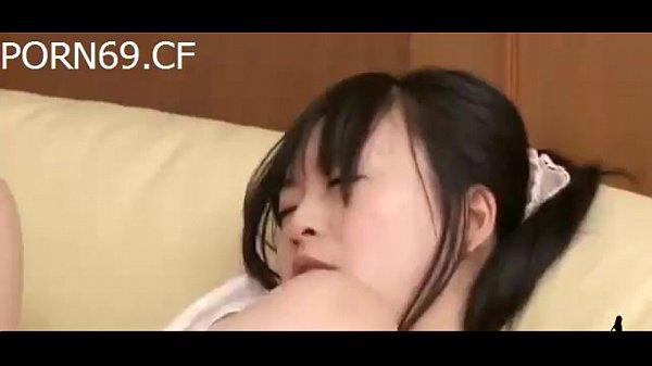 【援こう 2.5とは】黒髪美少女の女子高生がソファの上で覚えたてのオナニーをしている