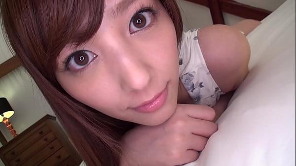 【愛音まりあ】AVデビューする前の貴重な素人時代のエロ動画!美人でモデル級なスタイル!カメラに撮られて照れながら感じる素人美女!!
