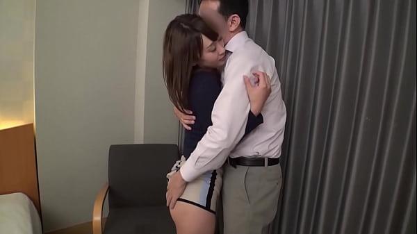 【人妻動画】欲求不満の貧乳の若妻とこっそり不倫SEXして感じまくる【xvideos】