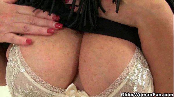 image Classy milf alisha rydes finger fucks her mature pussy
