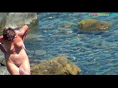 NUDIST Amateur Beach Spy Washing Her Nude Body