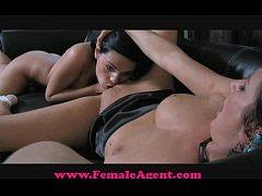 FemaleAgent Never been kissed