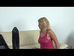Autsch!! Der Dildo Deal mit Laura