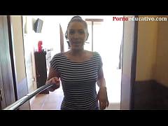 Pamela Sanchez da una lección sobre genitales f...
