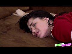 Horny hottie babe Raylin Ann loves a huge hard ...