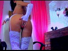 Beautiful webcam girl IbizaSunrise fucking her ...