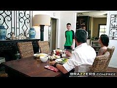 Brazzers - Milfs Like it Big - Kendras Thanksgi...