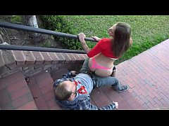 Novinha dando na escada | Veja MAIS    http://a...