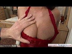 Horny housewife Alexa Pierce take cock in POV s...