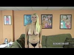 Teen hottie Brianna Johnson makes her cock suck...