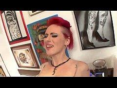 Angel Joanna pleases her tattoists pussy