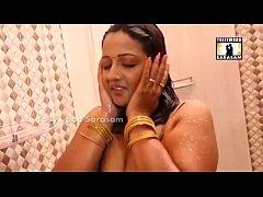 VERY HOT DESI BHABI BATHING IN FRONT OF WINDOW