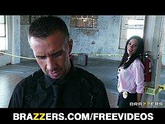 Beautiful brunette cop Kirsten Price gets fucke...