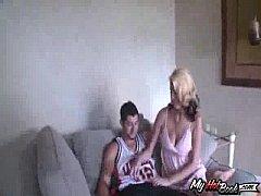 Natural boobed Addison O'riley and her boyfriend