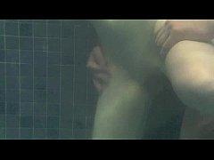 Underwater fucking - transando na piscina