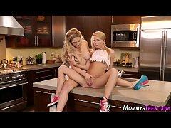 Lesbian blondie fingered