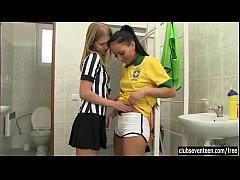 Brasileirinhas lésbicas depois do futebol se chupando
