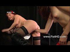 Lesbians Mishka Devlin and Faye Rampton fisting