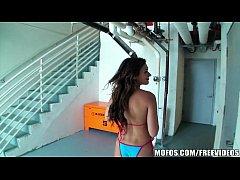 Beautiful bikini babe has an amazing ass and kn...