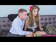 Luscious hottie Brooke Lynn spreads her legs