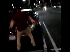 Cojiendo en el estacionamiento