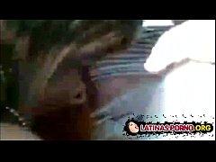 Chilenos hacen una orgía con una puta en el carro