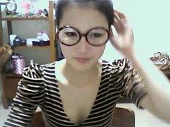 Cute Korean Girl Shows Off on Webcam - AdultWeb...