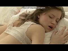 Lindinha e meiga - young pretty