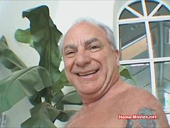 Beautiful Hot Chick Sucks Dick