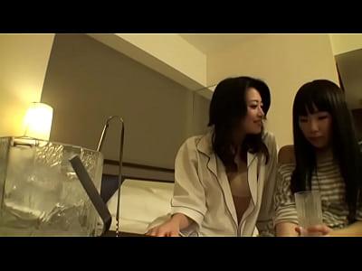 淫乱黒髪セクシー美熟女北条麻妃がウブな黒髪美女をホテルに誘ってレズプレ…