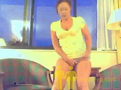 Desperate video: Hotel Shorts Pee
