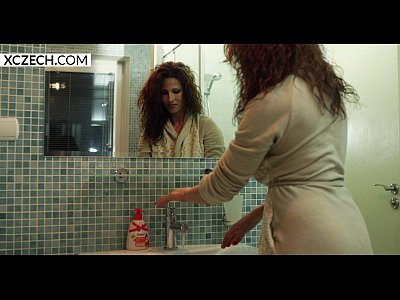 Porno video: Reina Pornero - MILF in Shower - XCZECH.com