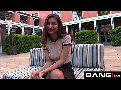 Nina en casting inocent