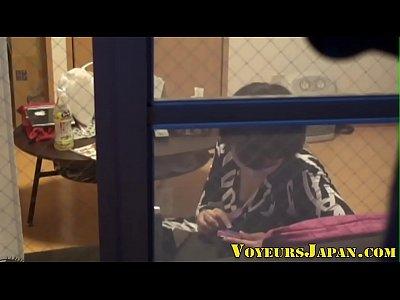 【レズ】ガチ、レズ所作を盗撮窓の外から、レズを盗撮おっぱいを刺激し見合う