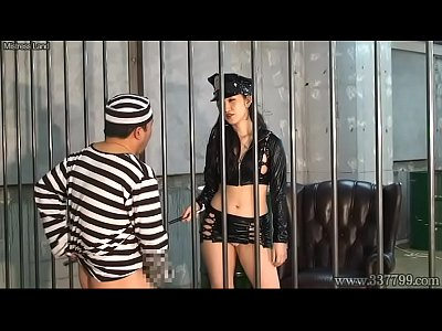 Japanese Bdsm Strapon vid: Japanese Femdom Yun Make Cunnilingus and Strapon