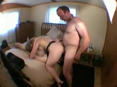 Cucold Wifi video: Cuckold eats cum with a slave-his wife's lover