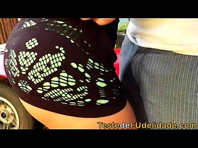 Blowjob Brunette Bigtits video: Vendedor de carro fodeu cliente gostosa