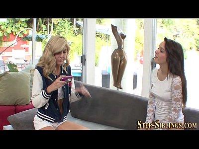 Amateur Amateurs Babe video: Lesbian amateur licked