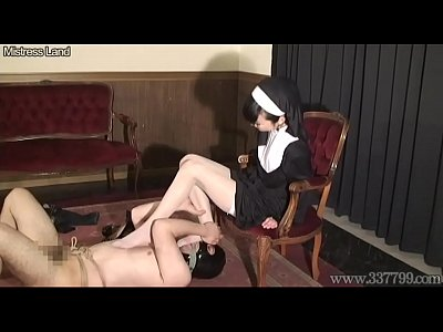 Bdsm Cunnilingus Domination video: Japanese Femdom Facesitting Sister