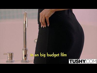 Porno Sexo Tushy latin babe loves to gape her ass
