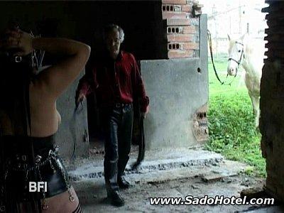 Slavegirl Ottiene Le Redini
