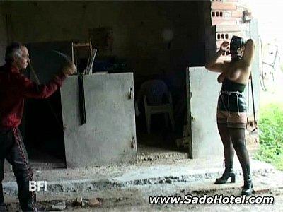 Slavegirl Παίρνει Τα Ηνία