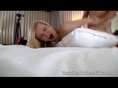 Giggly Coed Soleggiata Cazzo E Cumming
