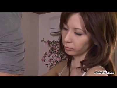 美人な四十路熟女をバイブ電マで責めてからフェラセックス!xvideos