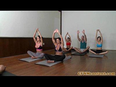 Jewels Jade Franceska Jaimes Aula de Sexo Yoga