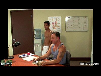 Xexo Gay Gratis Sexy gay jocks fucking in the office