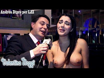 Valentina Nappi Dando Entrevista Pelada
